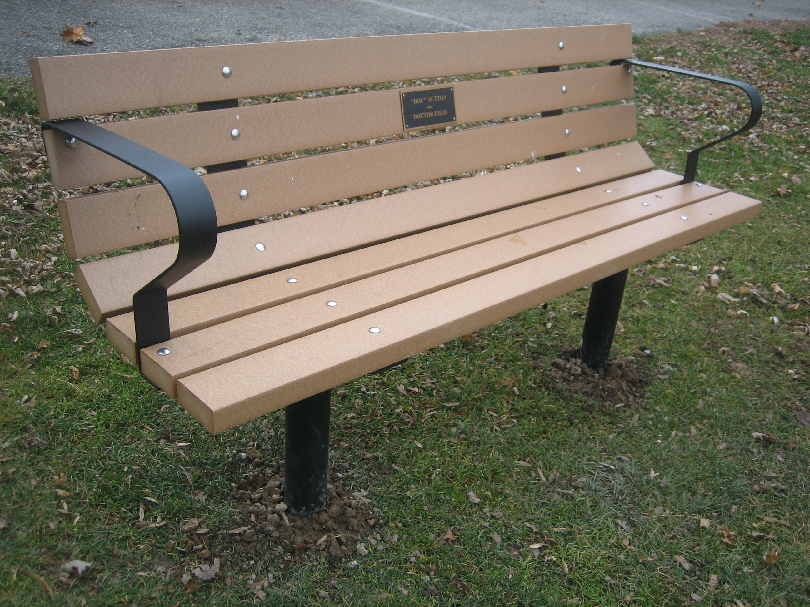 Park Bench w/ Arms (Permanent Post w/Recycled Plastic Lumber)